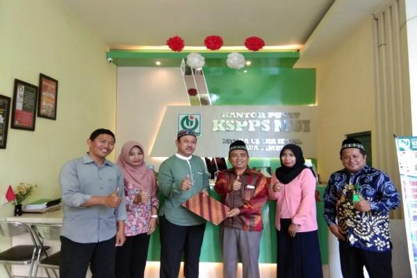 Memorandum of Understanding (MoU) Between STEI Kanjeng Sepuh Sidayu Gresik and KSPPS MUI Gresik